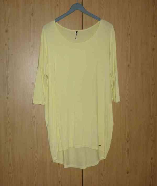 Vanilkově žlutá tunika / šaty Answear - foto 3