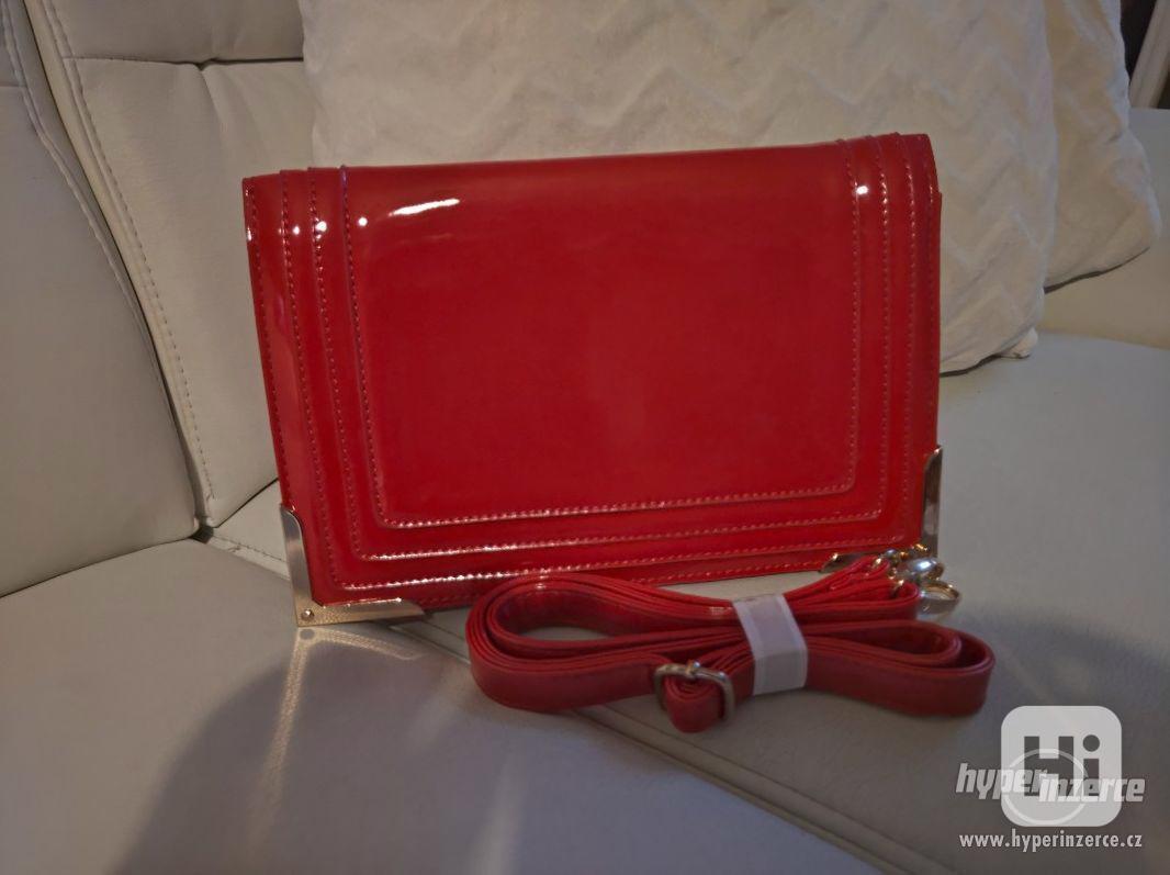 Červená stylová kabelka - foto 1