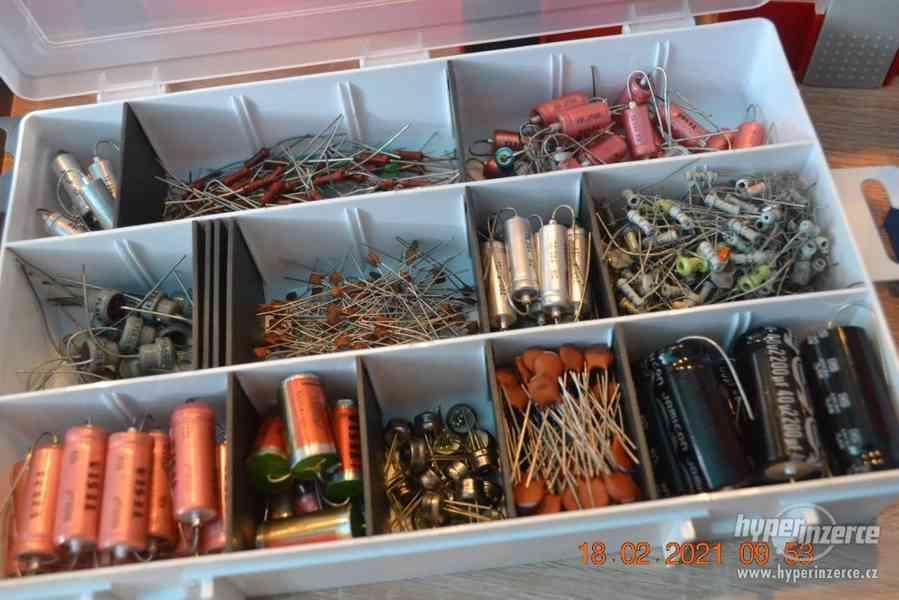Plastová krabička - organizér 250 x 160 x 45 mm - pro kutily - foto 10
