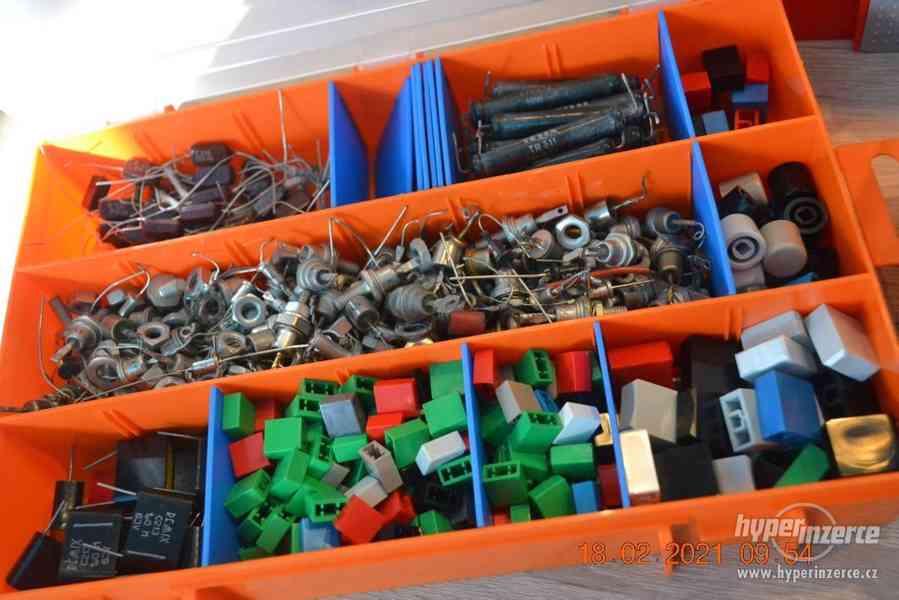 Plastová krabička - organizér 250 x 160 x 45 mm - pro kutily - foto 12