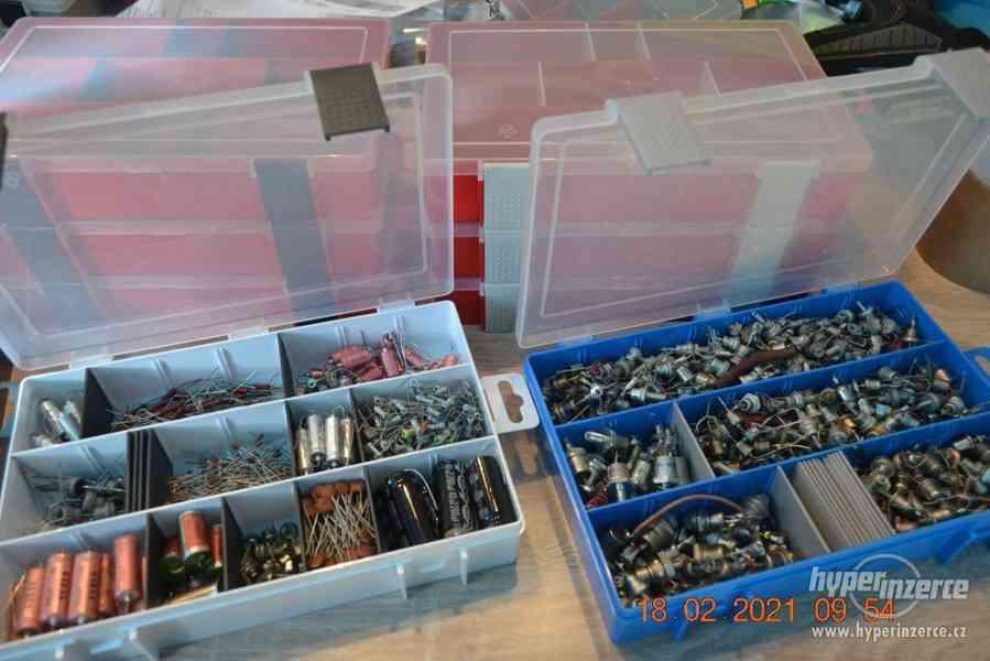Plastová krabička - organizér 250 x 160 x 45 mm - pro kutily - foto 13