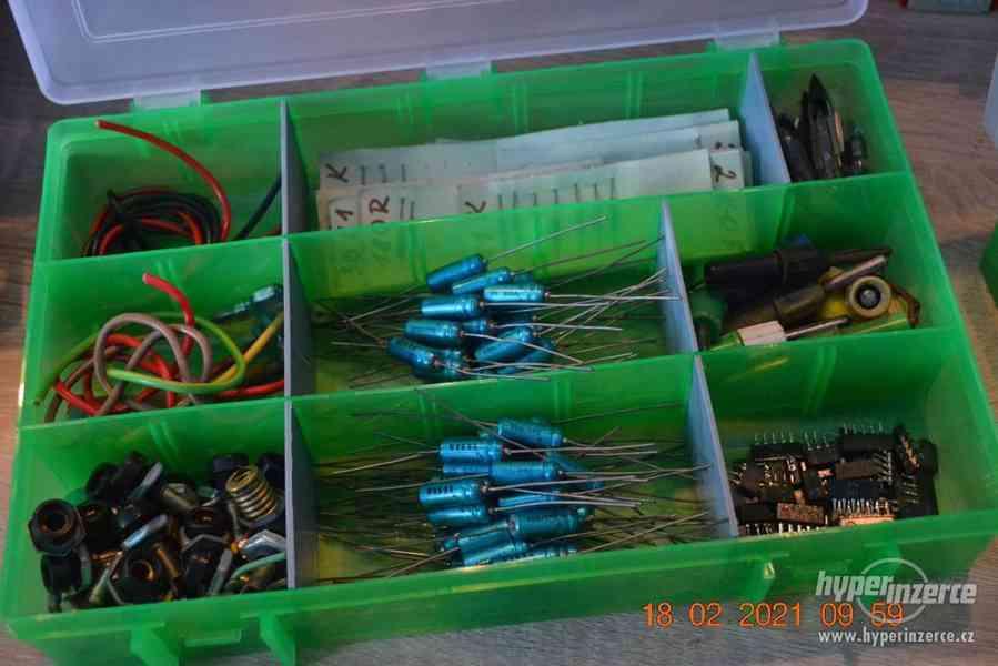 Plastová krabička - organizér 250 x 160 x 45 mm - pro kutily - foto 14