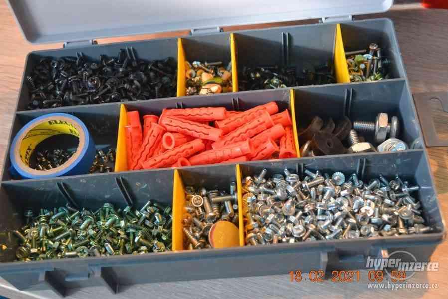 Plastová krabička - organizér 250 x 160 x 45 mm - pro kutily - foto 15
