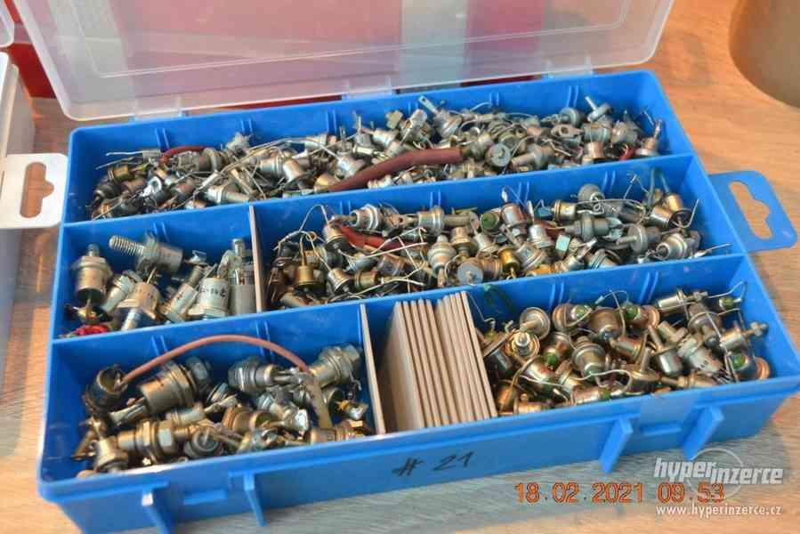 Plastová krabička - organizér 250 x 160 x 45 mm - pro kutily - foto 16