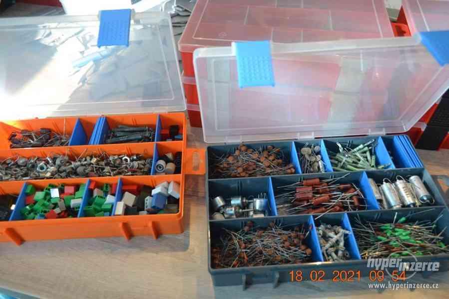 Plastová krabička - organizér 250 x 160 x 45 mm - pro kutily - foto 19