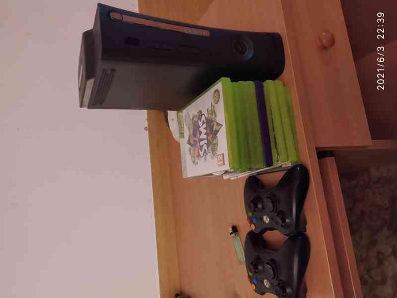 prodam Xbox 360 + 2 ovladace + 12 her