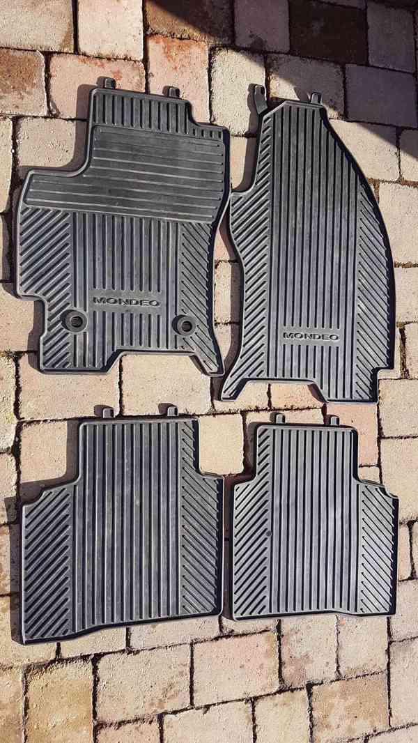Prodám originál gumové koberečky Ford Monde 3 2000-2007