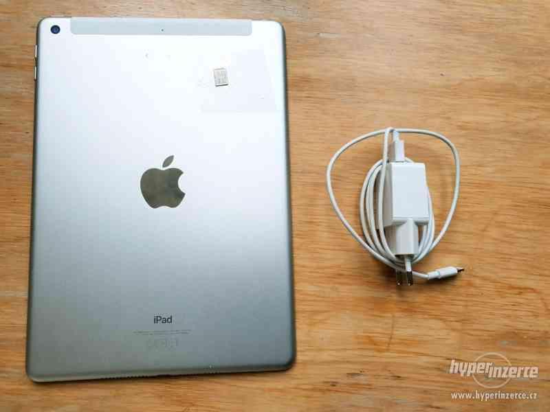 Apple iPad 2018 32GB WiFi MR7G2FD/A stříbrný