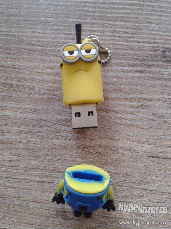 USB Flash disk Minion 8 GB - foto 3