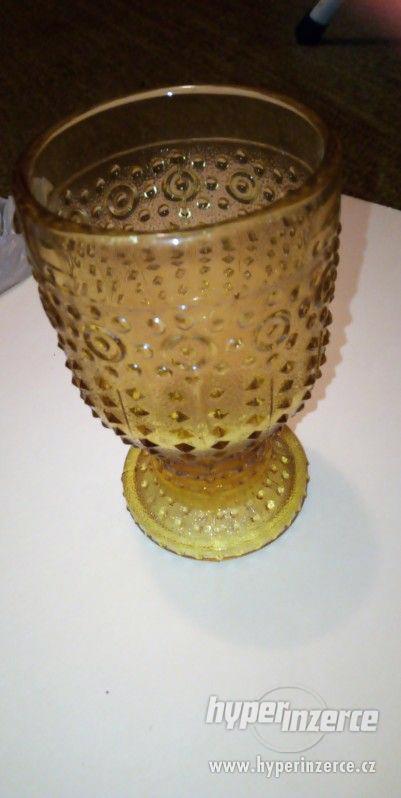 retro skleněné poháry