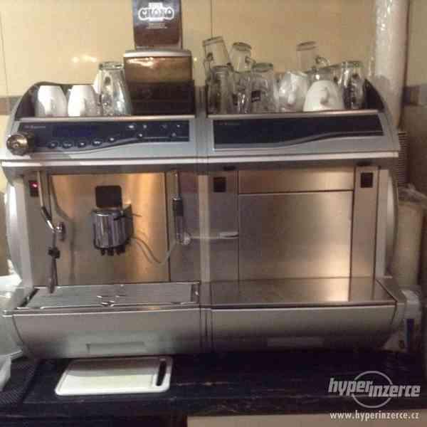 Kávovar SAECO idea - Cappucino SILVE a lednička