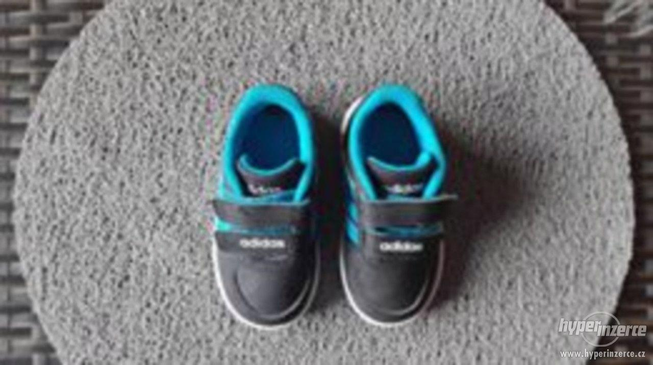 Chlapecké boty Addidas velikost 20 - foto 1