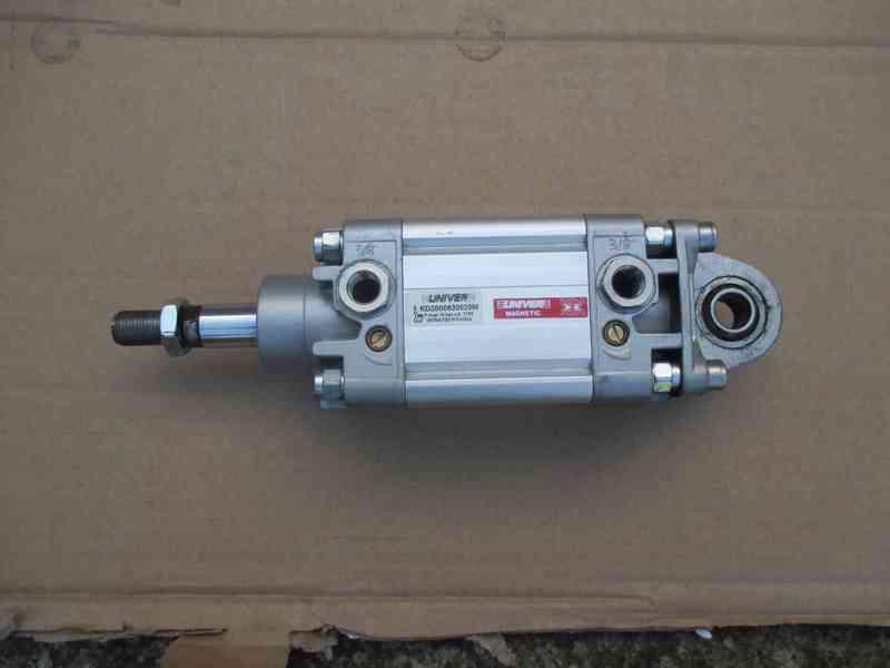 Válec 63/25 mm ISO6431 dvojčinný