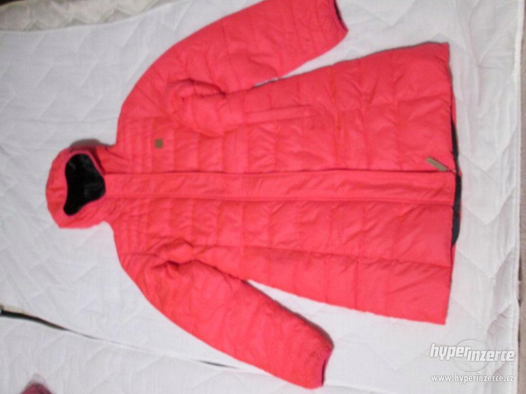 ZIMNÍ bunda s kapucí (dívčí), zn. LOAP, vel. 146/152 - foto 1