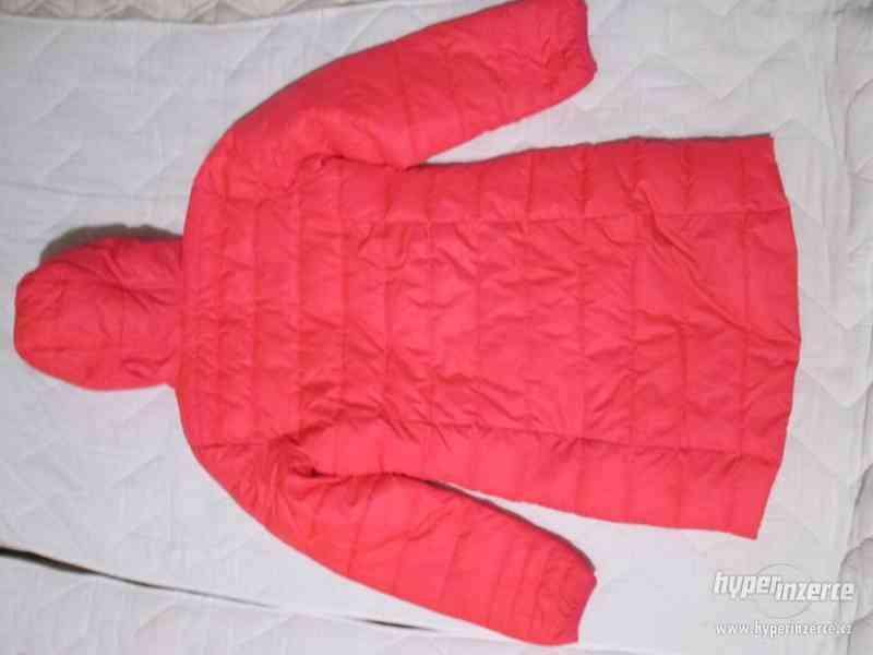 ZIMNÍ bunda s kapucí (dívčí), zn. LOAP, vel. 146/152 - foto 3