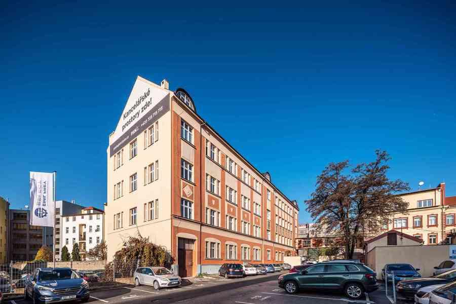 Nájem 2x kancelář (25,1 m2 + 20,5 m2), přízemí, Praha 9 Vyso - foto 4