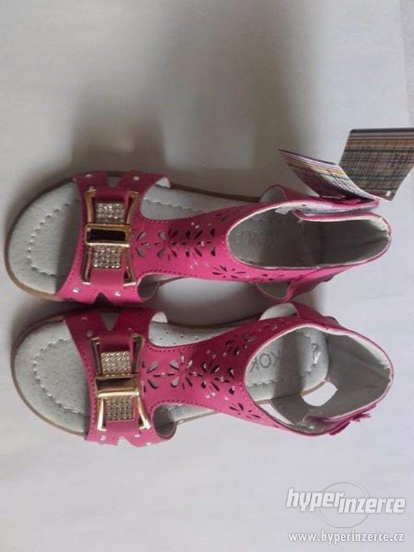 Dívčí sandálky růžové-mašlička