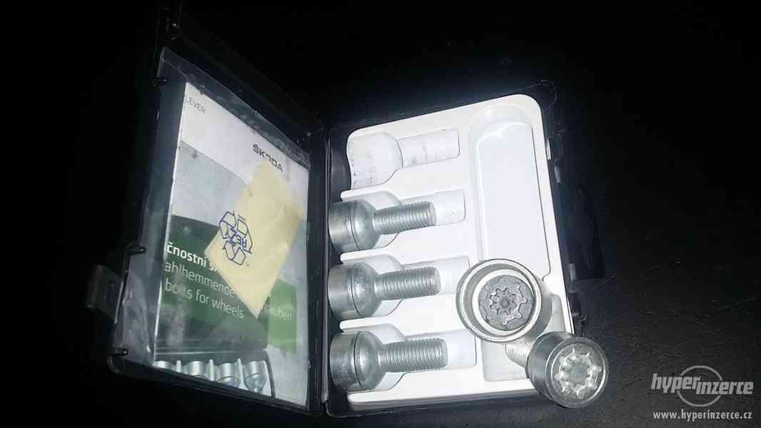 Originální bezpečnostní šrouby Škoda VW SEAT AUDI Originál - foto 2