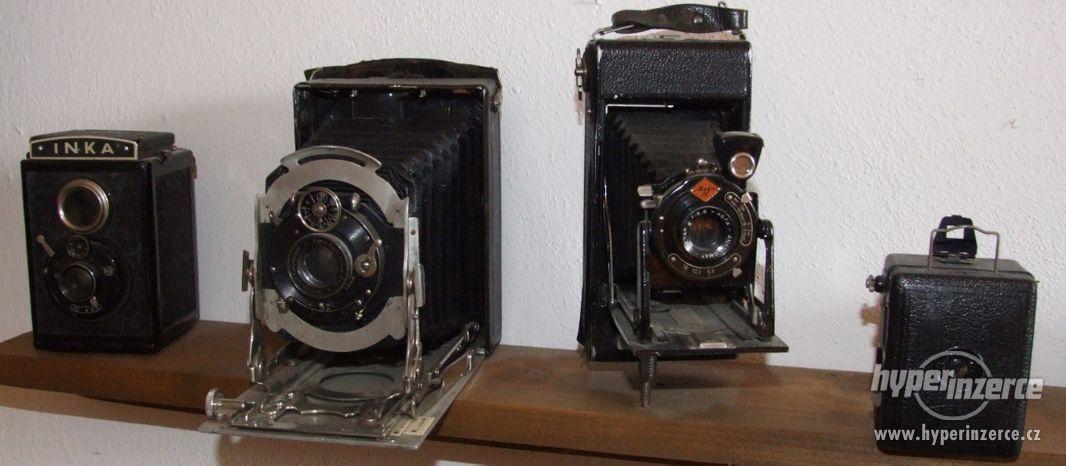 Sbírka retro fotoaparátů a příslušenství - foto 1