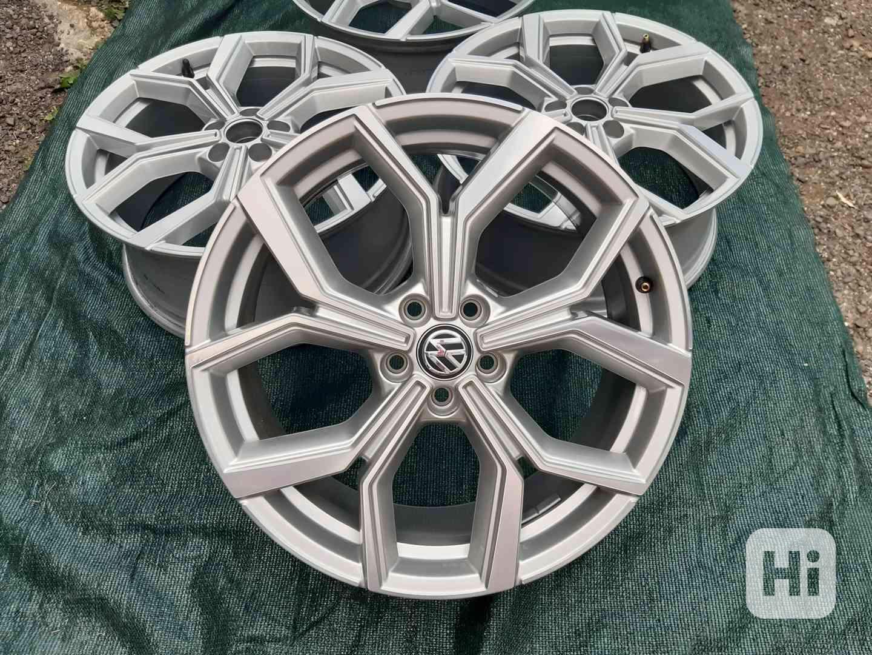 Alu disky R18 Volkswagen Polo Tcross 5x100 - foto 1