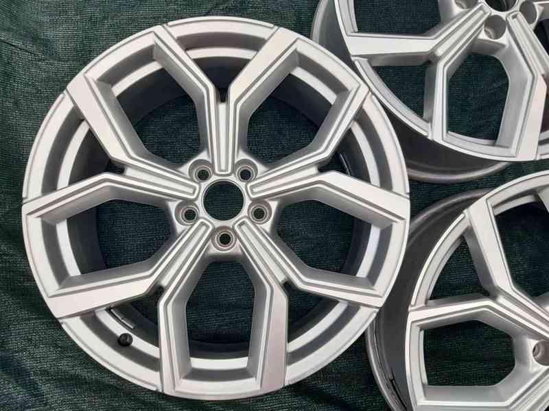 Alu disky R18 Volkswagen Polo Tcross 5x100 - foto 3