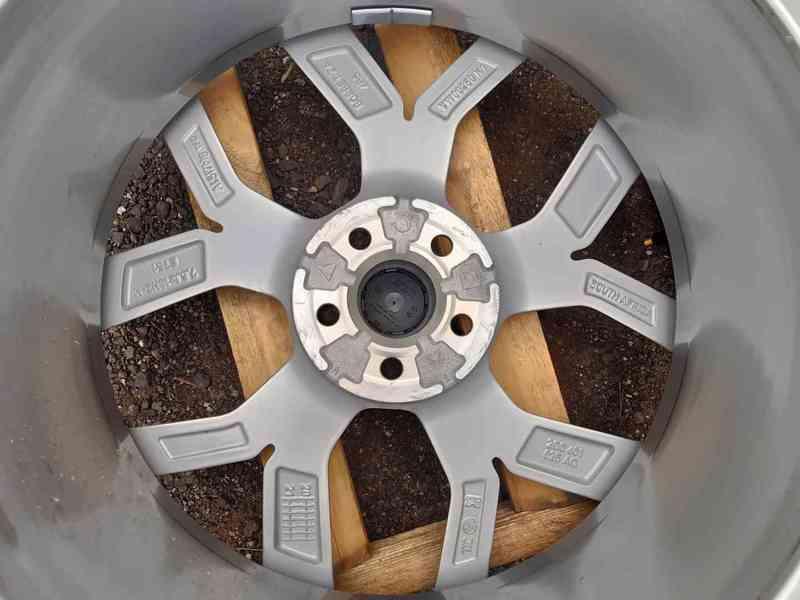 Alu disky R18 Volkswagen Polo Tcross 5x100 - foto 5