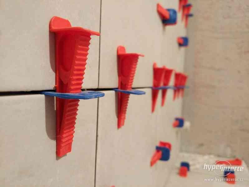 Nivelační systém, dlažby a obklady