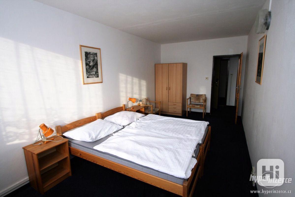Levné ubytování Praha 5 - foto 1