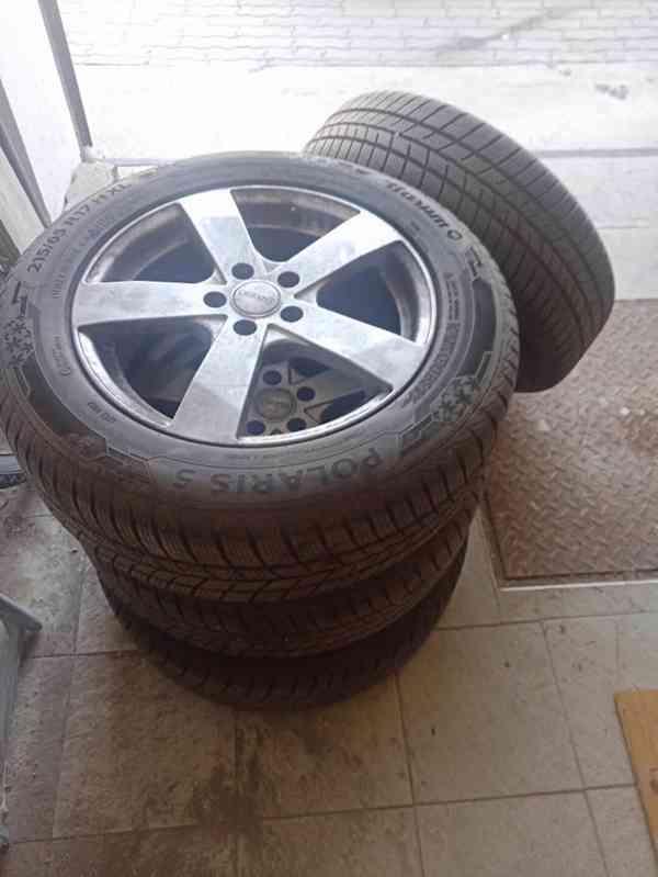 Prodej  pneu 215/65R17