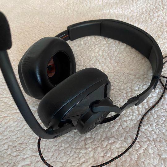 Herní sluchátka s mikrofonem - JBL Quantum 200