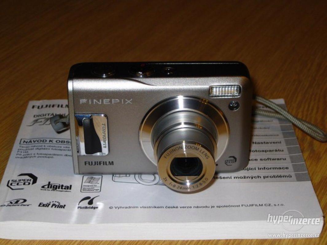 Prodám fotoaparát FinePix F31fd - foto 1