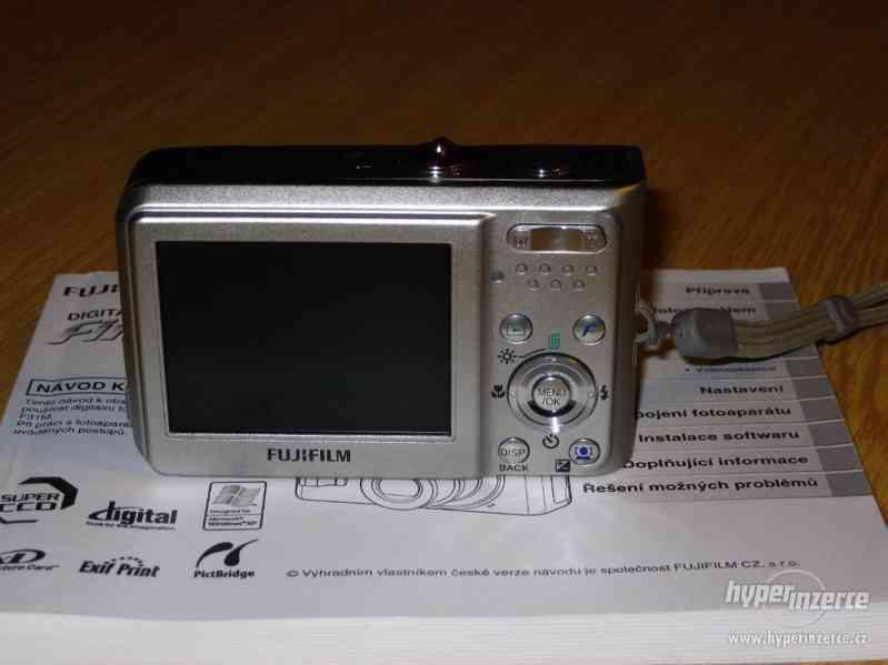 Prodám fotoaparát FinePix F31fd - foto 2