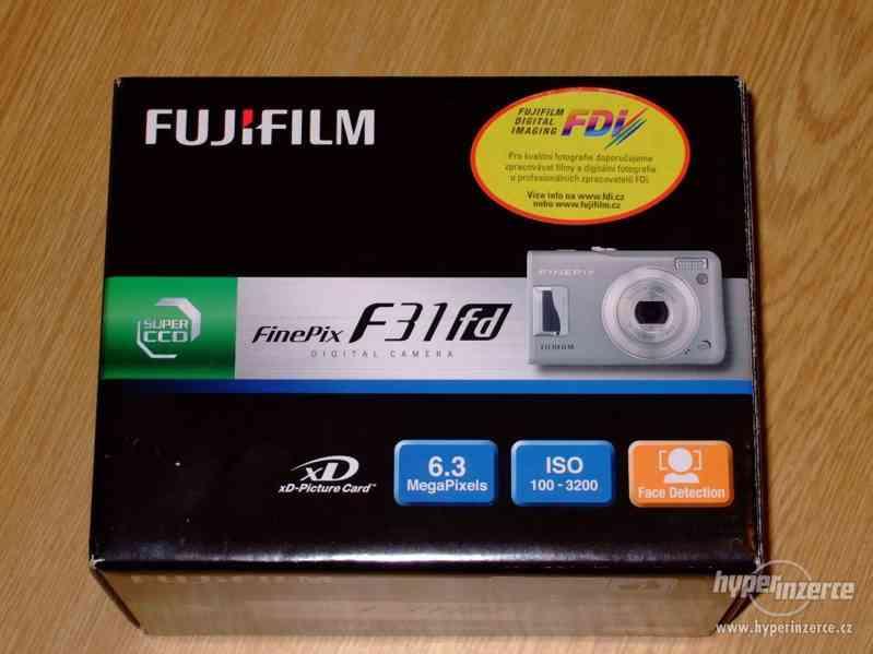 Prodám fotoaparát FinePix F31fd - foto 7