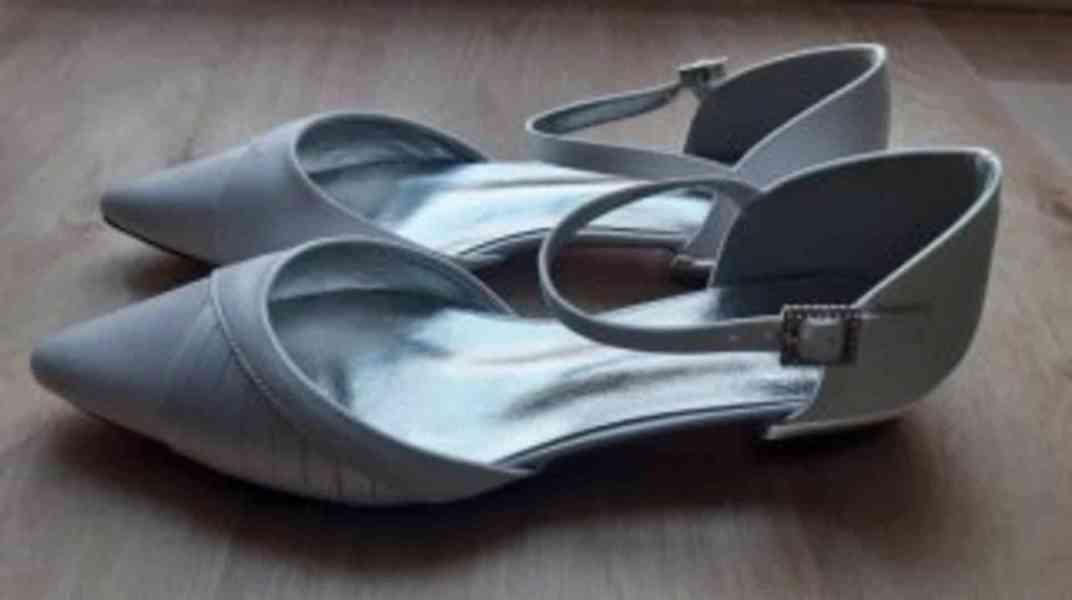Dámské sandály - bílé - foto 2