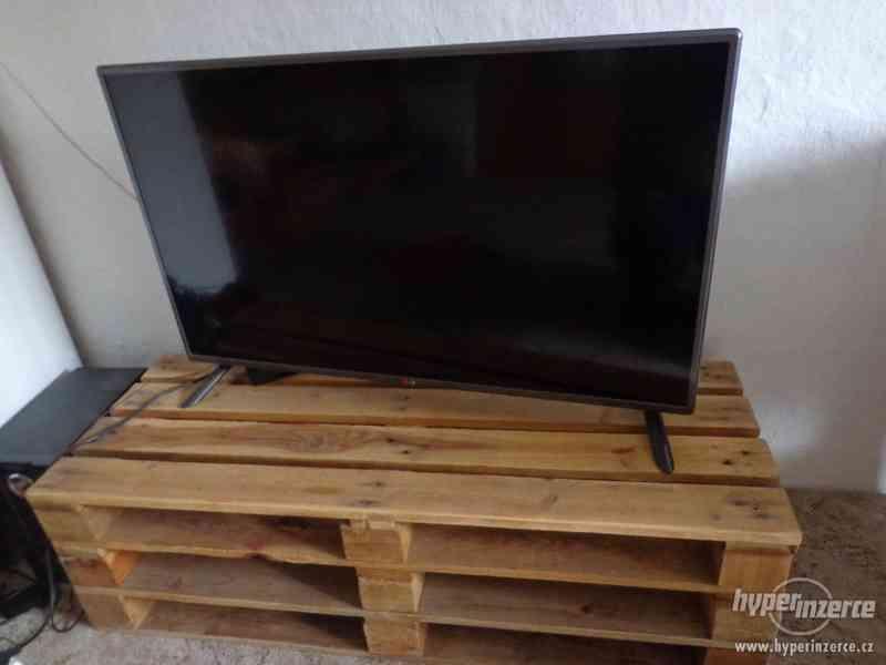 Dřevěný nábytek na zakázku RYCHLE, LEVNĚ - foto 7