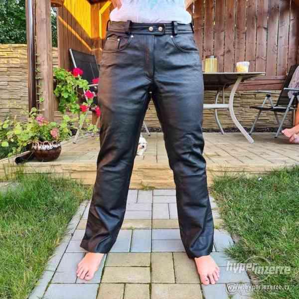 Motorkářské kožené kalhoty