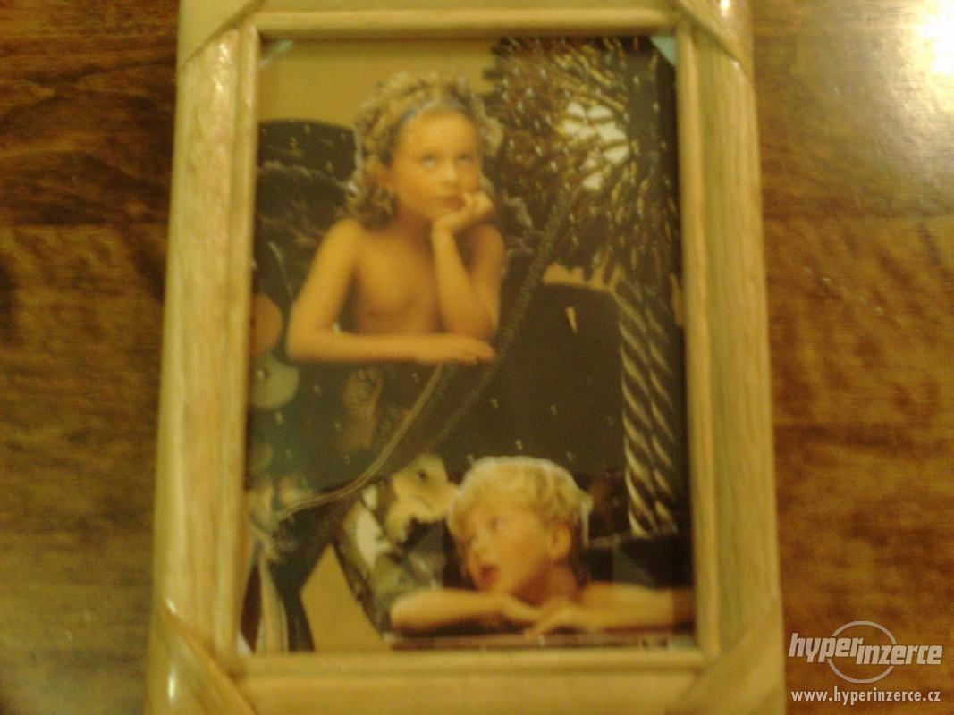 krásný obrázek Andělé štěstěny13x 18 cm s rámečkem - foto 1