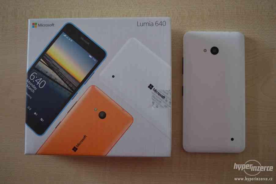 Mobilní telefon Microsoft Lumia 640 LTE - bílý