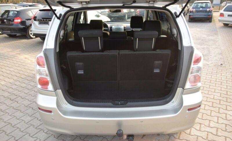 Toyota Corolla Verso 1.8i benzín 95kw - foto 18