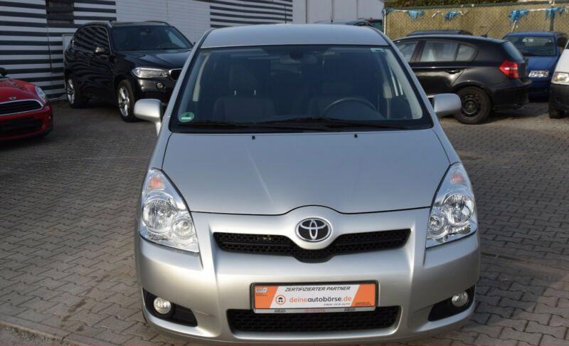 Toyota Corolla Verso 1.8i benzín 95kw - foto 6