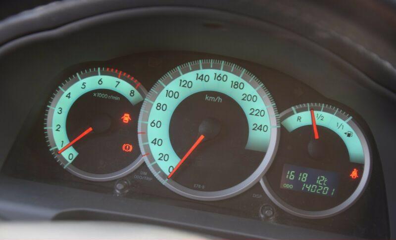 Toyota Corolla Verso 1.8i benzín 95kw - foto 16
