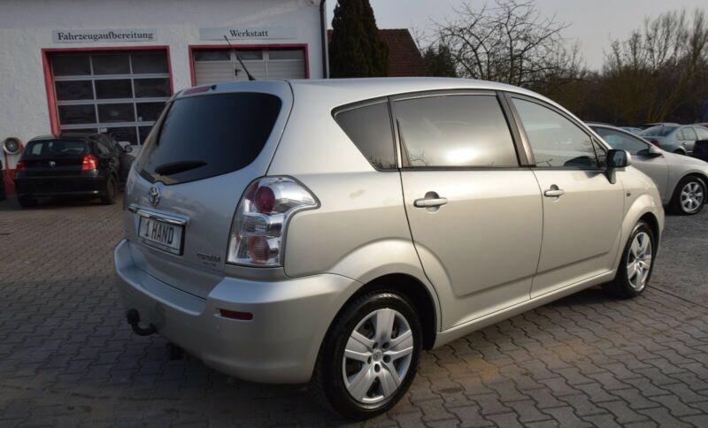 Toyota Corolla Verso 1.8i benzín 95kw - foto 17
