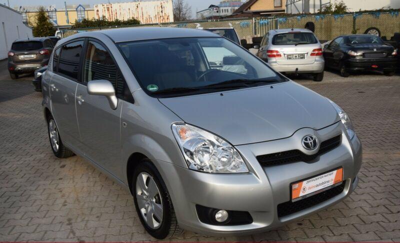 Toyota Corolla Verso 1.8i benzín 95kw - foto 7