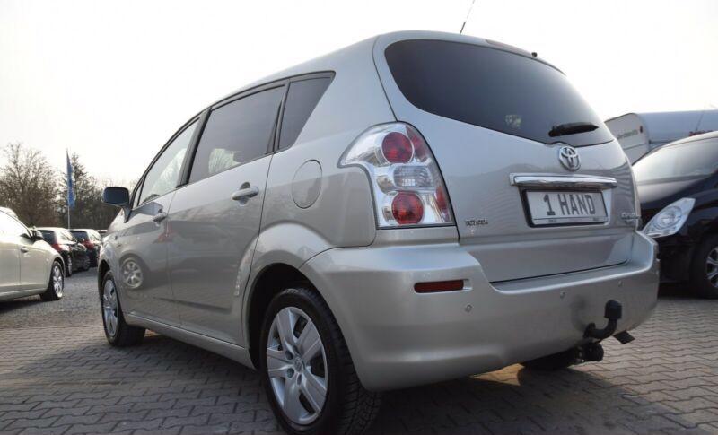 Toyota Corolla Verso 1.8i benzín 95kw - foto 14