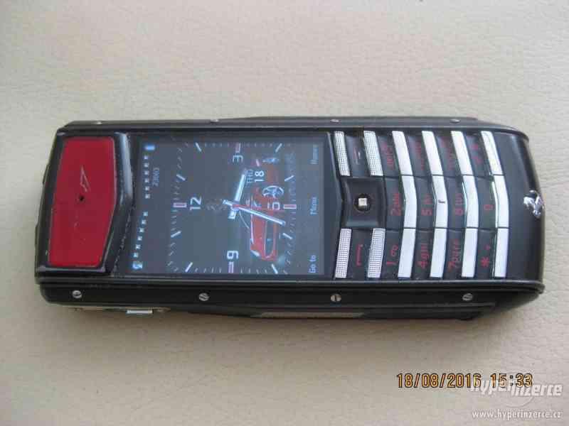 Mobilní telefony Nokia, Motorola, LG atd...do sbírky od 10Kč