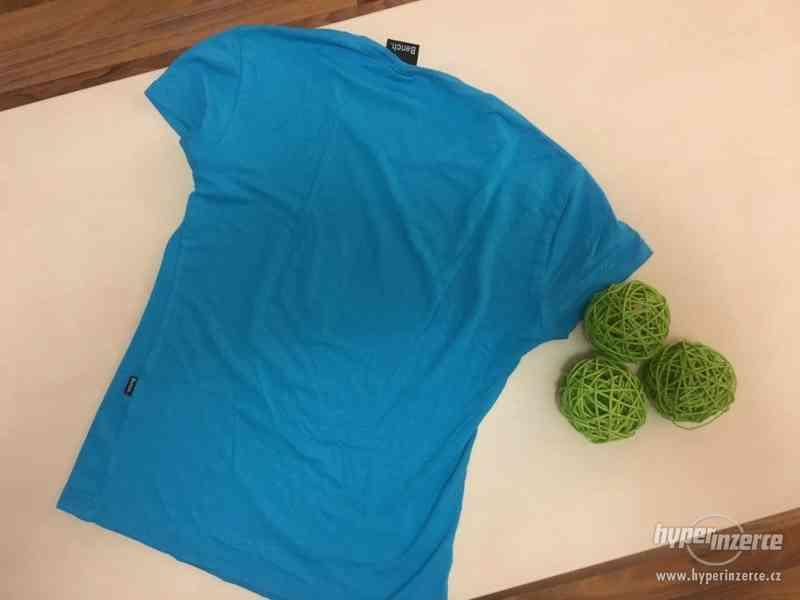Krásně modré triko s nápisem Bench, vel S/M, Bench - foto 3