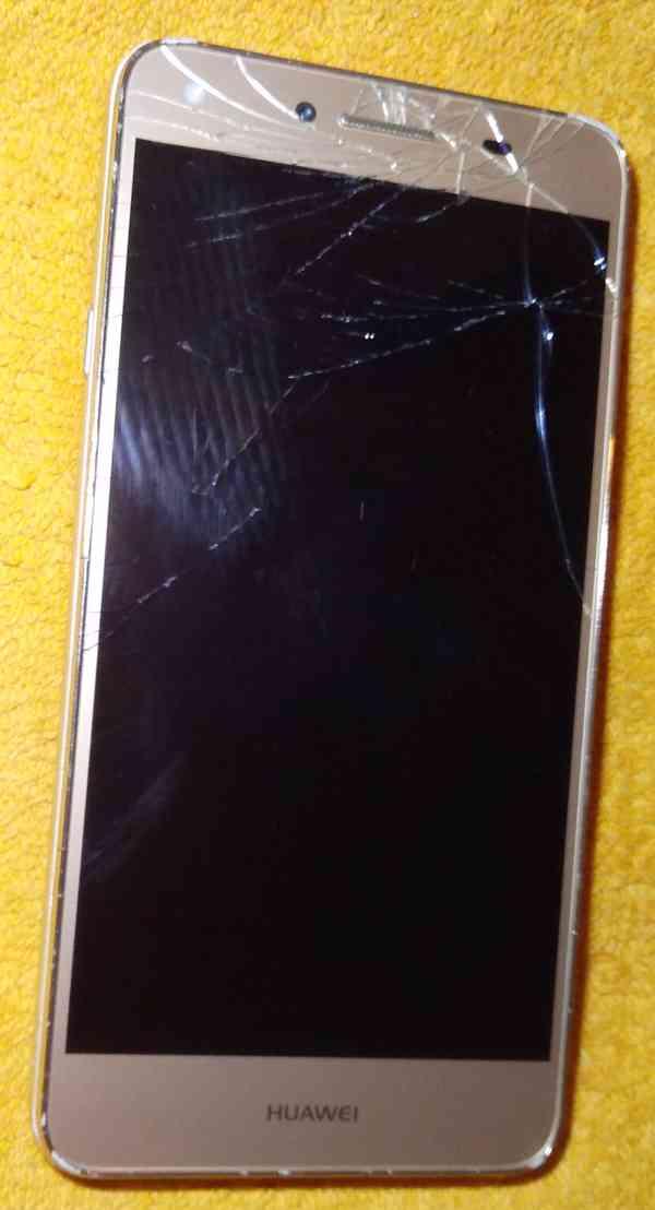 Samsung A8 +Huawei Y5 II +Apple iPhone SE -k opravám!!! - foto 3