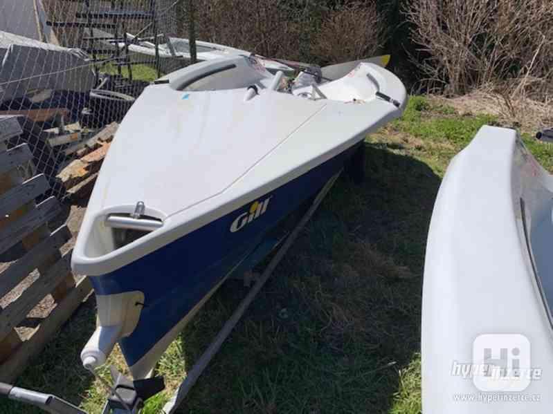 Sportovní plachetnice RS400 - foto 6