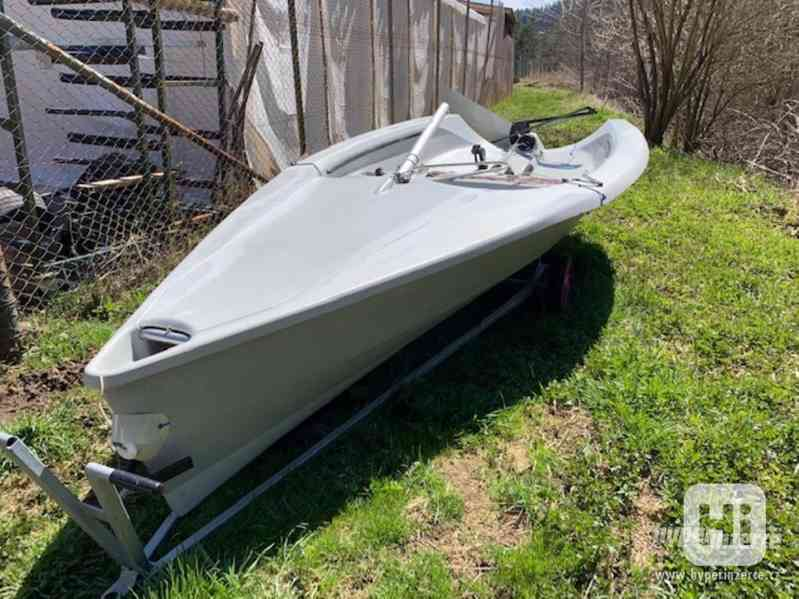Sportovní plachetnice RS400 - foto 7