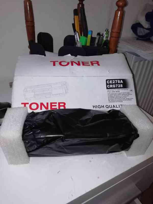 Toner CE27a CRG728, Slany.